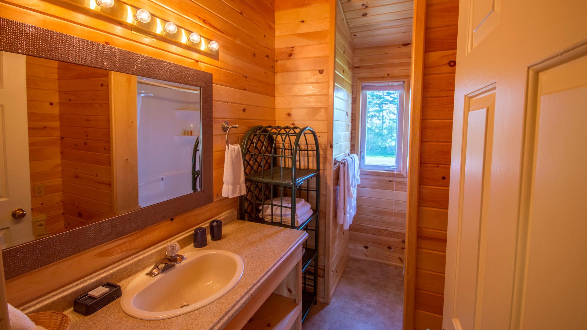 4 Bedroom-Bathroom #2